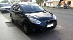 Vendo fiesta hatch 13/13, carros de procedência - 2013