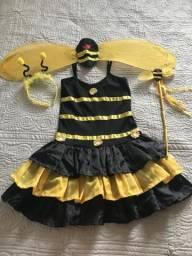 Linda fantasia de abelhinha