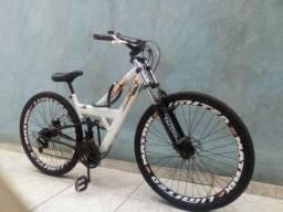 Torando bicicleta linda aro 26 aro feio a disco