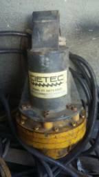 Vendo Perfuratriz hidráulica com brocas e pistola de hidrojateamento