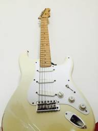 Guitarra FENDER ERIC CLAPTON SIGNATURE ano 2000 (case e tags)