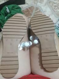 Vendo sandália nova comprei ficou grande e não tive como trocar b1331f14356