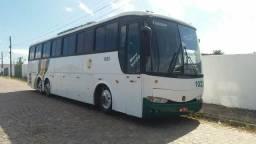 Vendo ônibus 1150 . O400 , com ar gelando 50 lugares com banheiro, todo em dias