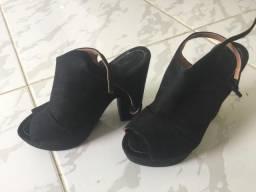 Lote de sapatos tamanho 35/36