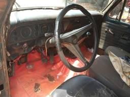 Vende-se f1000 - 1983