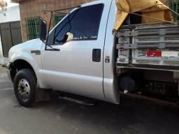 Passo F4000 2011 R$35.000 - 2011