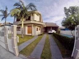 DH - Casa com Piscina 04 dormitórios a Venda em Florianópolis!