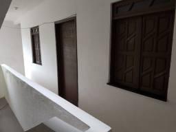 Aluga-se dois apartamentos reformados