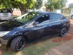 ford focus sedan titanium plus 2.0