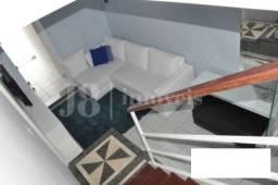 Casa / Loft Semi Mobiliado nas Mercês