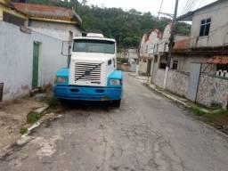 Vendo pesas de caminhão de volvo 94310, vendo motor ,caixa de marcha etc..