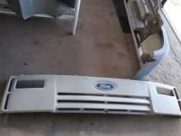 Grade dianteira Ford Cargo original recuperada