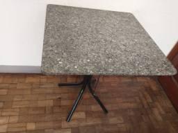 Mesa 70x70 de granito preta