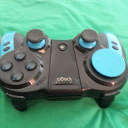 Controle  de vídeo game Bluetooth(100 reais)
