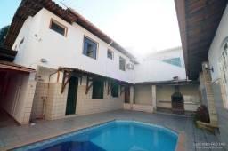 Casa com Grande Potencial com 6 Quartos sendo 3 Suítes Ilha dos Araujos.