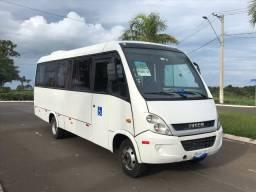 Microônibus iveco 70c17