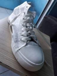 Sapato estilo All Star cano alto