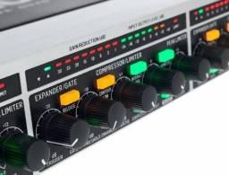 Processador Behringer Multicom Pro Xl MD4600