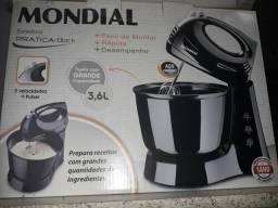 Batedeira Mondial 100 reais Nova