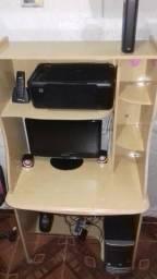 Vende-se Computador/ Mesa