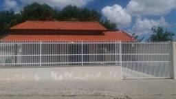Casa no Centro de Piçarras para Locação Anual