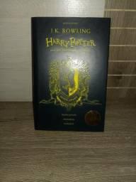 Harry Potter e a Pedra Filosofal ed. comemorativa 20 anos - Casa Lufa-Lufa