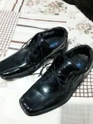 Sapato número 33 usado uma vez