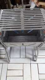 Churrasqueira grande fechada de alumínio