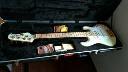 Baixo Music Man Sting Ray 5 HH Gold