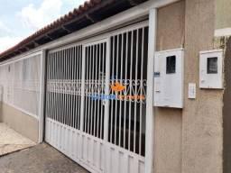 Sarom vende casa três quartos sendo duas suítes na Etapa B Valparaiso de Goias