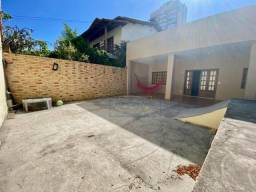 Casa com 3 dormitórios para alugar comercialmente com 200 m² construídos por R$ 3.800/mês