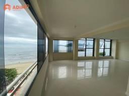 Amplo apartamento frente mar
