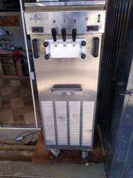 Maquina de sorvete marca supremo