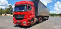 Mercedes Axor 2535 com Baú Sider