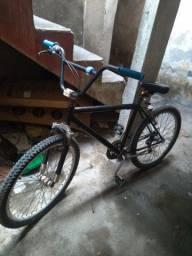 Bicicleta aro 24 pra vender ligeiro!