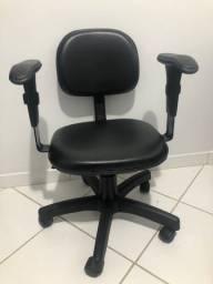 Cadeira rodinha preta courino nova