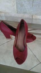 Sapato feminino salto quadrado tamanho 39