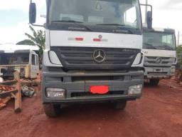 Caminhão caçamba Mercedes Benz Axor 4144