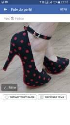 Vendo uma linda sandália