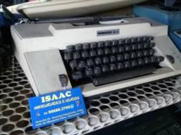 Máquina de escrever no estado