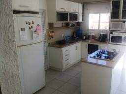 Casa 03 dormitórios aceita parte em permuta na praia Palmas