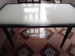 Mesa de madeira, tamanho 1,90
