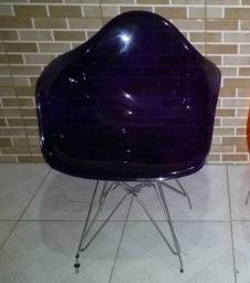 Cadeira Acrílica Base de Inox cor Púrpura