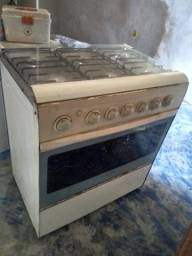 Vendo fogao a unica coisa que nao funciona eo forno 60 fone *