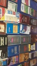 Título do anúncio: Vendo vários  livros  de Direito faço  barato
