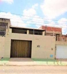 Casa com 3 dormitórios à venda, 135 m² por R$ 490.000,00 - Água Fria - Fortaleza/CE