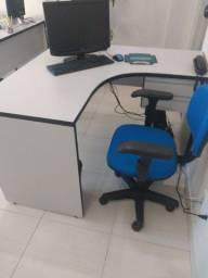 Linda mesa de escritório