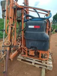 Pulverizador Tipo Barrão TMC de 600 litros