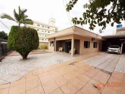 Casa a venda em Balneário Camboriú, 04 quartos, 05 vagas, amplo terreno a venda