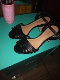 Sandália feminina Arezzo tamanho 37